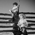 Cowboy's Life is the Life for Me: Cowboy and Cowgirl Arts and Crafts