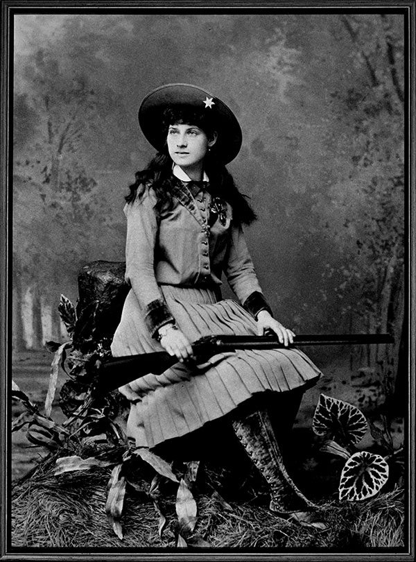 Postcard of Annie Oakley, ca. 1893. P.71.2970