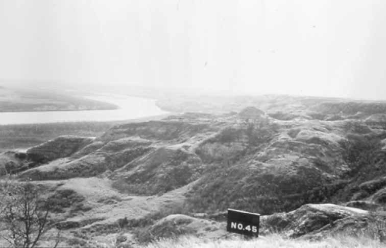 The Missouri River Breaks, North Dakota, pre-Flood Control Act of 1944. The west side is rugged and hilly, the east side is rich, level soil suited to farming. Image courtesy of Marilyn Cross Hudson.