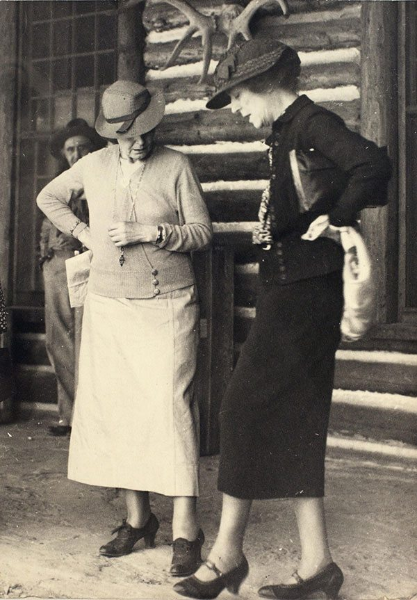 Mary Jester Allen went to great lengths to bring people of wealth and influence to Cody. Here, Mrs. Nicholas Longworth (nee Alice Roosevelt) and friend visit the Buffalo Bill Museum, probably in the early 1930s. Mary Jester Allen Collection. P.41.500