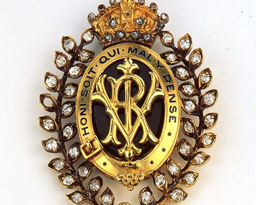 A Treasure from Our West: Pendant given by Queen Victoria to Buffalo Bill. 1.69.309