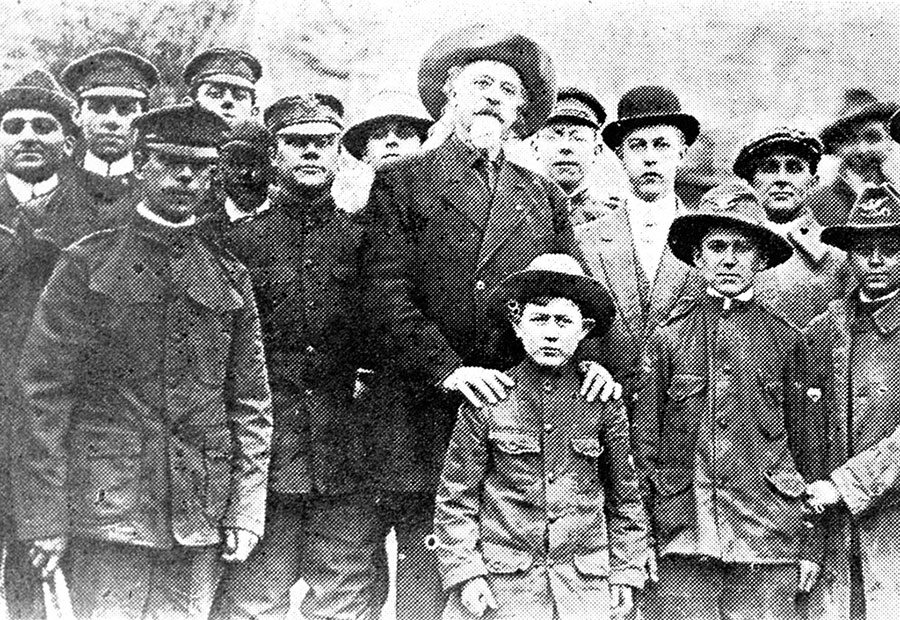 William F. Cody with Boy Scouts in Providence, Rhode Island, ca. 1912. MS6 William F. Cody Collection. P.69.1073