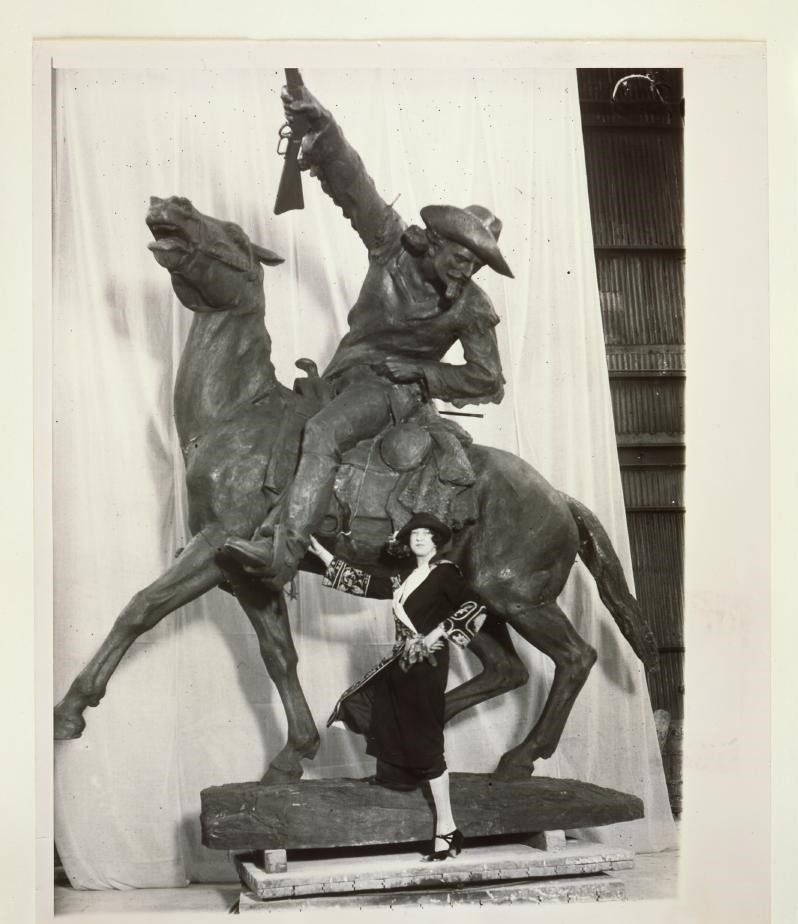 Fig. 6: Gertrude Vanderbilt Whitney with her Buffalo Bill—the Scout, ca. 1924. MS 6 William F. Cody Collection, McCracken Research Library. P.69.0517