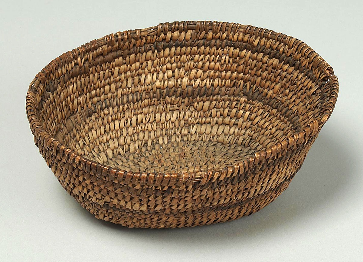 Willow bark and reed basket. NA.106.361