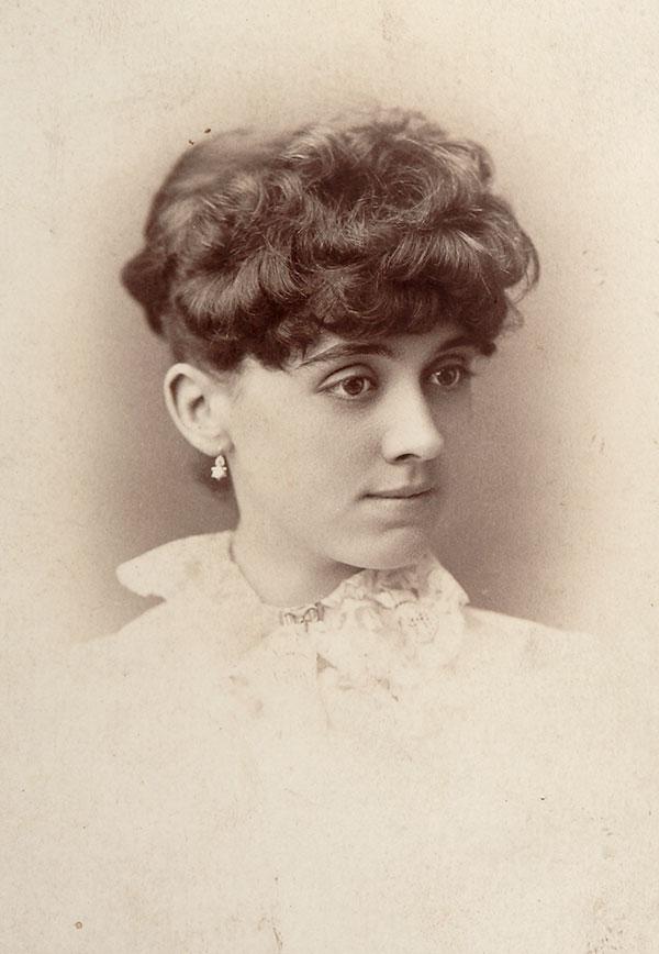 Arta Cody ca. 1890. MS 6 William F. Cody Collection. P.69.944