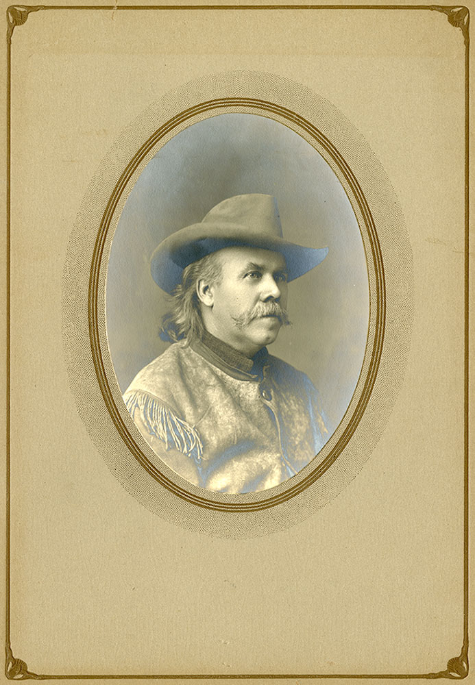 """William A. Bell, circa 1900. One Iowa journalist noted that Bell often wore western attire and was """"a picturesque reminder of frontier days."""" MS 294 Bell Family Collection. P.294.21"""