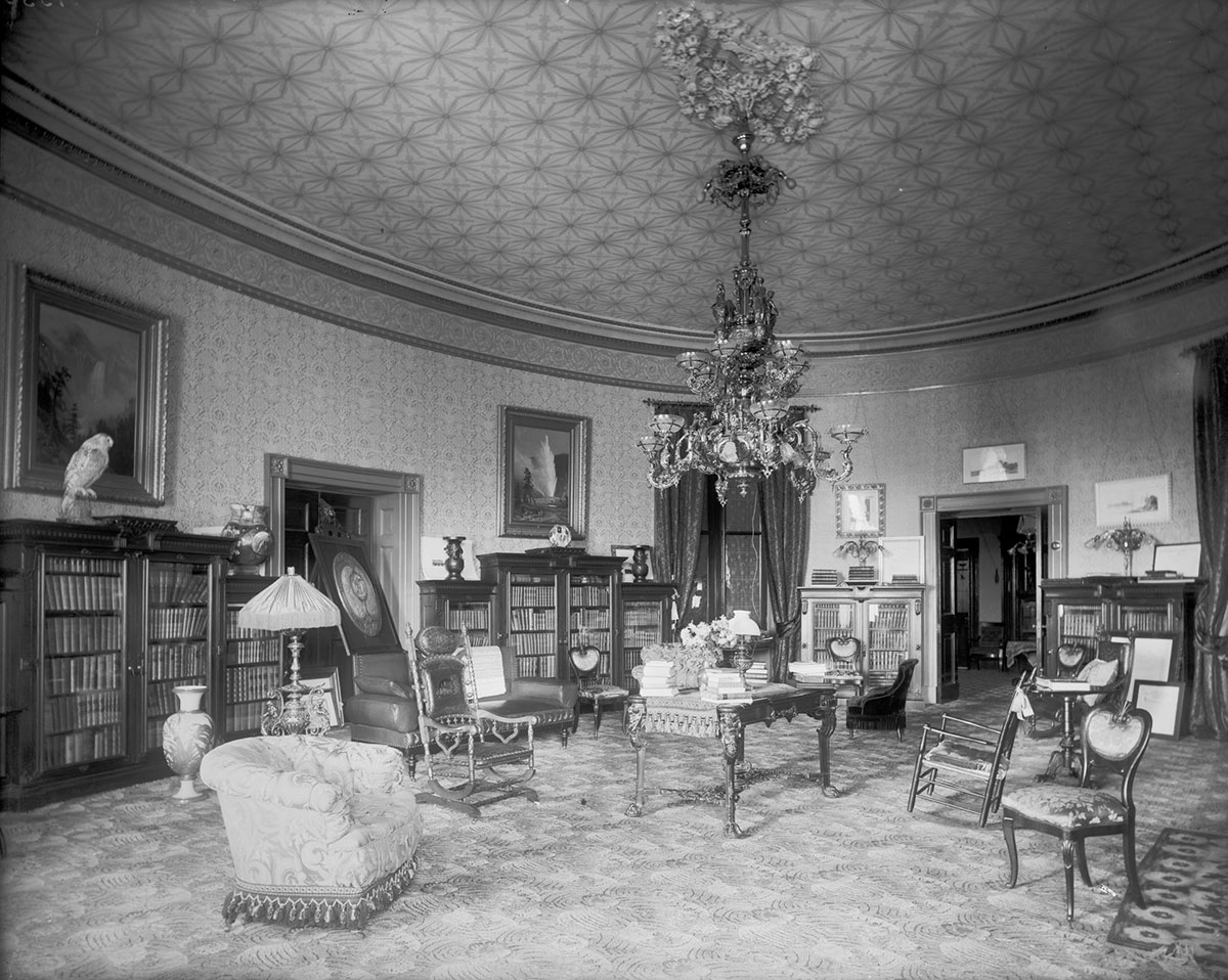 """Francis Benjamin Johnston, """"Presidential Library as Living Room, White House,"""" 1890. Black and white photograph. Library of Congress, Prints and Photographs Division, Washington, D.C., LC-DIG-ppmsca-50061"""