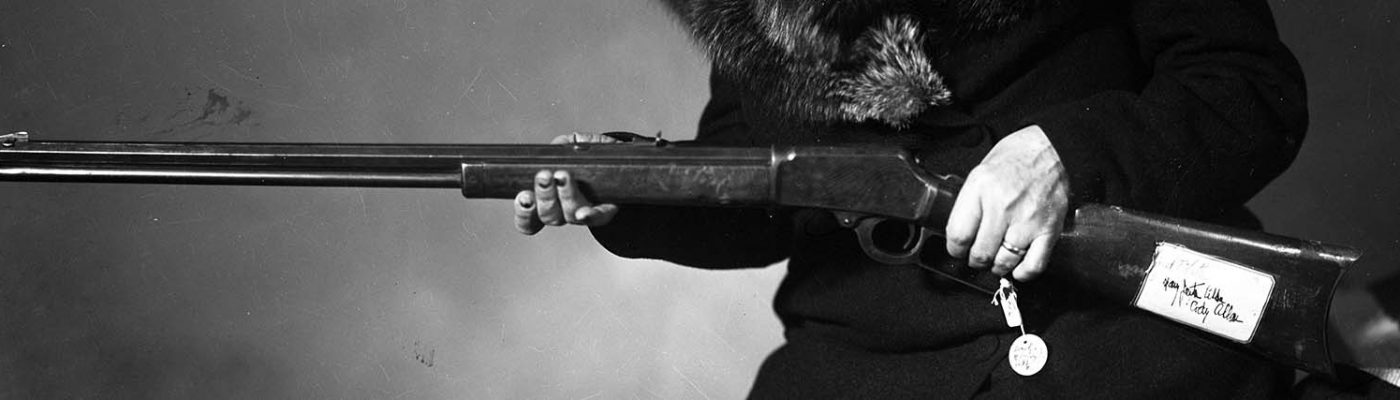 Frank Butler's rifle, ca. 1950. MS 228 Buffalo Bill Museum Photographs Collection. PN.228.202 (detail)