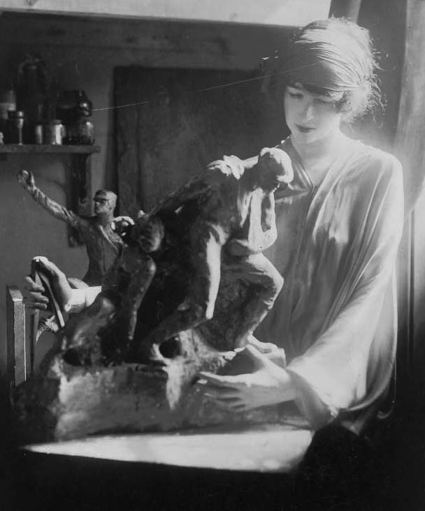 Fig. 4: Sculptress Gertrude Vanderbilt Whitney, 1920. Library of Congress Prints and Photographs Division Washington, DC 20540 USA. LC-USZ62-111853