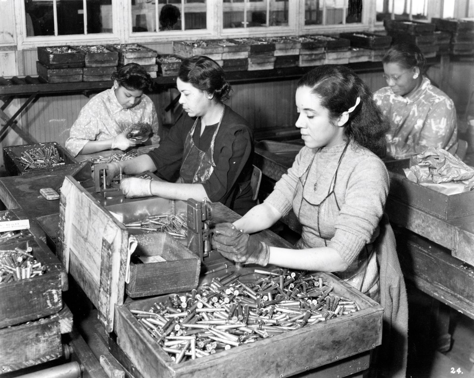 Winchester plant operations in making the M1 Garand; women gauging and inspecting .303 British cartridges. MS 20 Winchester Repeating Arms Company Collection, McCracken Research Library. P.20.3037.2