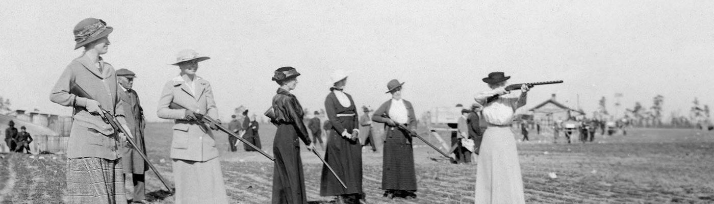 Annie Oakley and women shooting, ca. 1920. MS 6 William F. Cody Collection, McCracken Research Library. P.69.1177