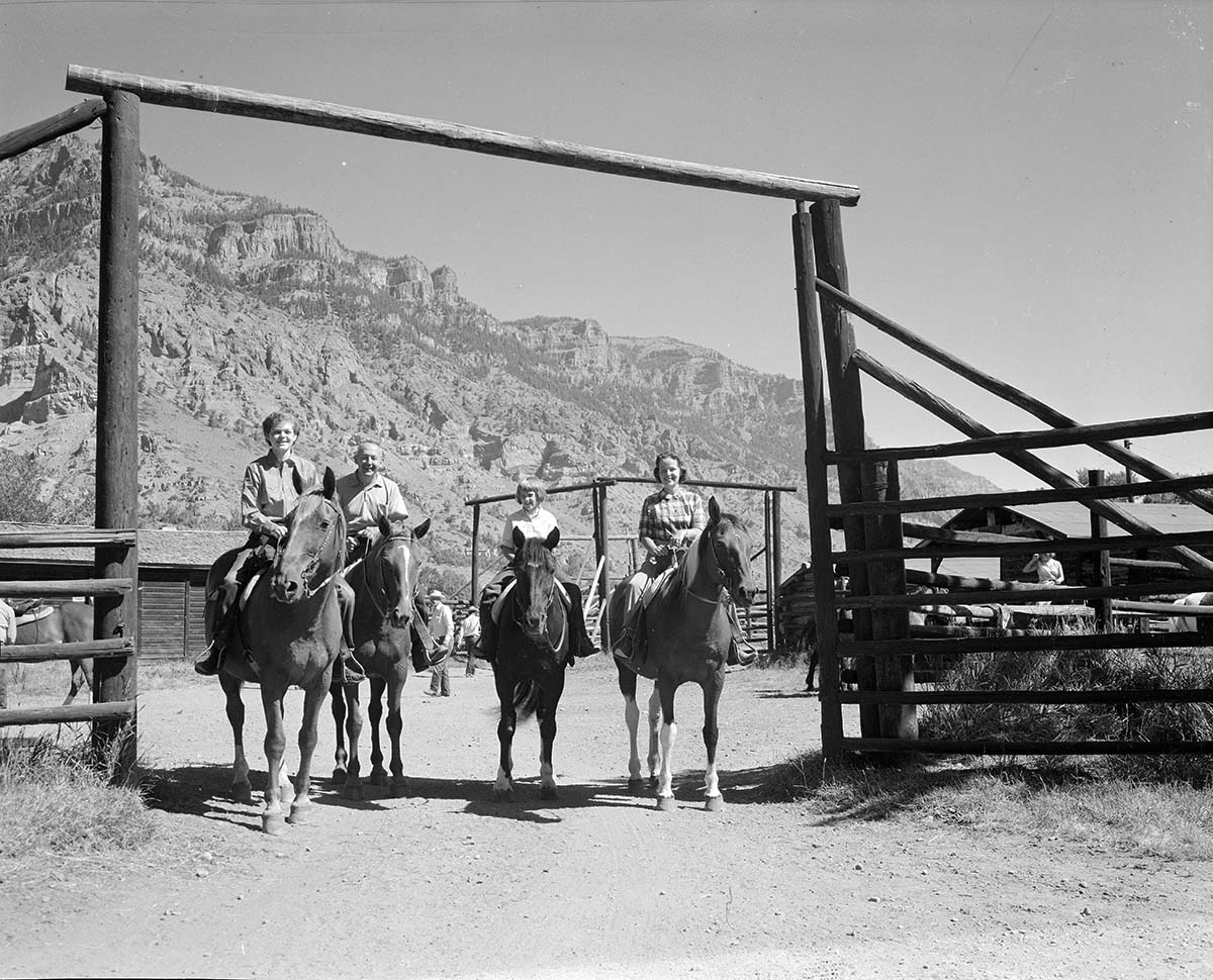 Guests on horseback at Valley Ranch, August 4, 1964. MS 89 Jack Richard Photograph Collection, McCracken Research Library. P.89.37.8200.04