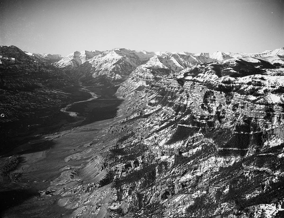 Upper South Fork and Ishawooa Mesa, 1930-1939. MS 003 Charles Belden Collection, McCracken Research Library. PN.67.731a