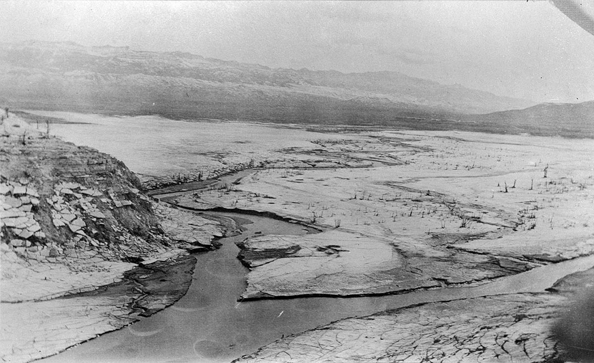 Confluence of the North and South Forks of the Shoshone River, 1913. MS 089 Jack Richard Photograph Collection. PN.89.108.21055.01