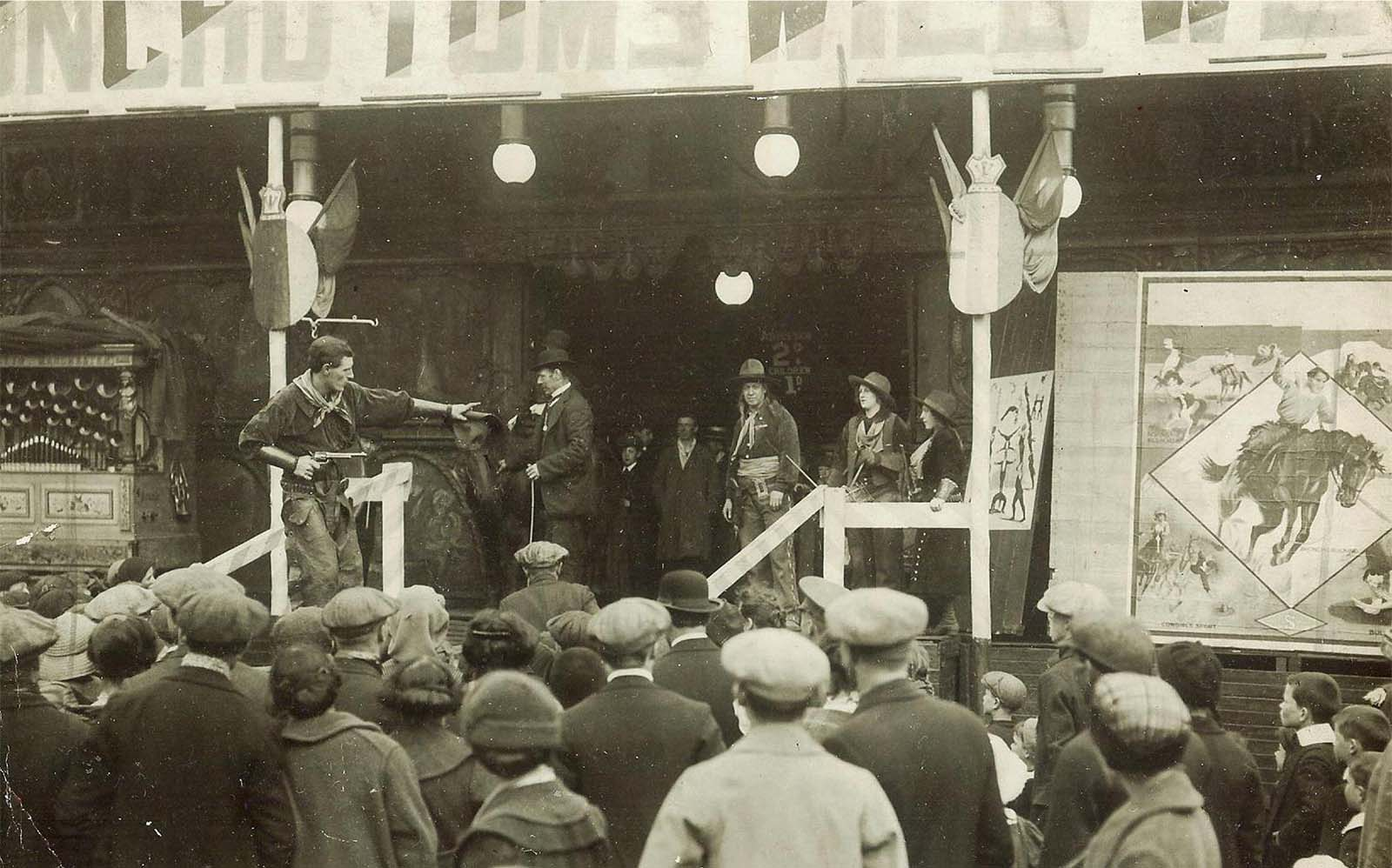 Montana Bill performing live in Broncho Tom's Wild West Show, Vinegarhill (Gallowgate) Fairground, Glasgow, 1915. Courtesy Tom F. Cunningham at snbba.co.uk.