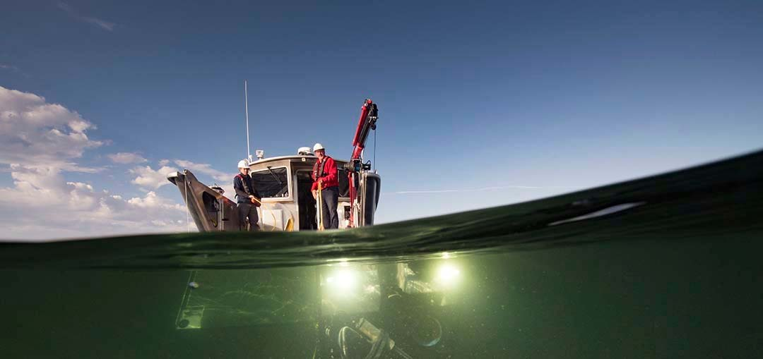 What Lies Beneath: Exploring Yellowstone Lake's Mysterious Vents / Photograph by Chris Linder, Woods Hole Oceanographic Institution