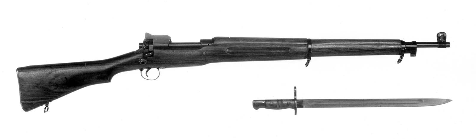 Winchester Model 1917 Enfield (American Enfield) with bayonet. MS 20 Winchester Repeating Arms Company Archive, McCracken Research Library. P.20.0663