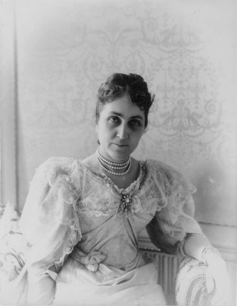 Phoebe Apperson Hearst, ca. 1895. Library of Congress Prints and Photographs Division Washington, D.C. 20540 USA. LC-USZ62-70333